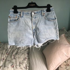 🍋LEVIS HIGH WAISTED DENIM SHORTS🍋